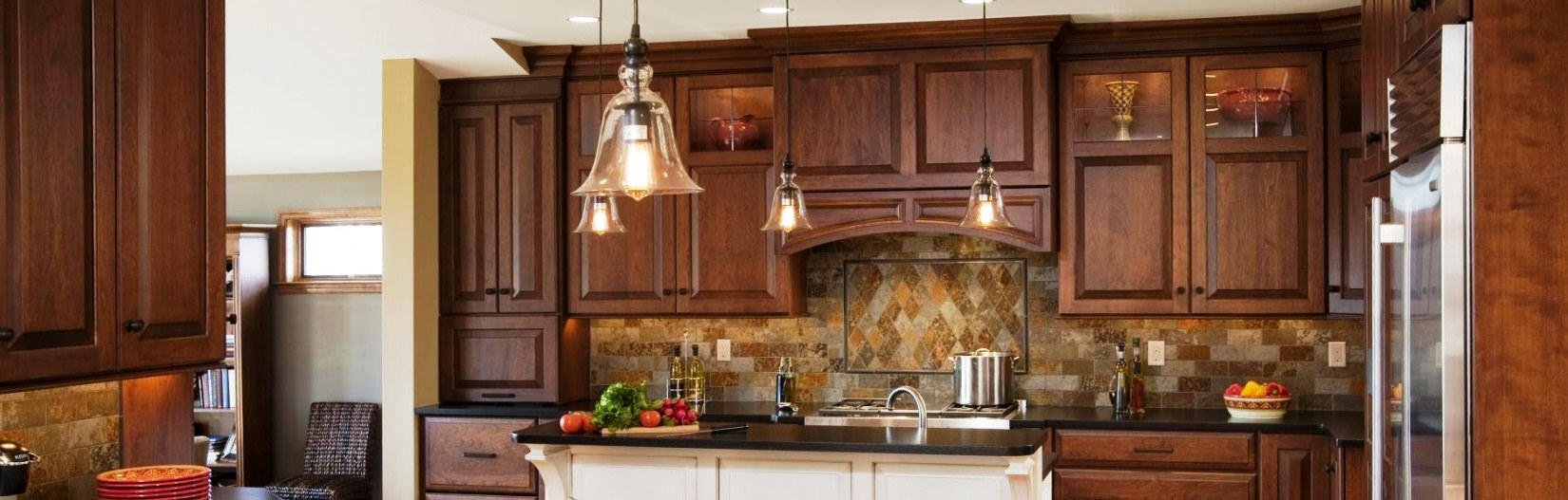 Quality custom cabinets furniture and woodwork - Superior Craftsmanship